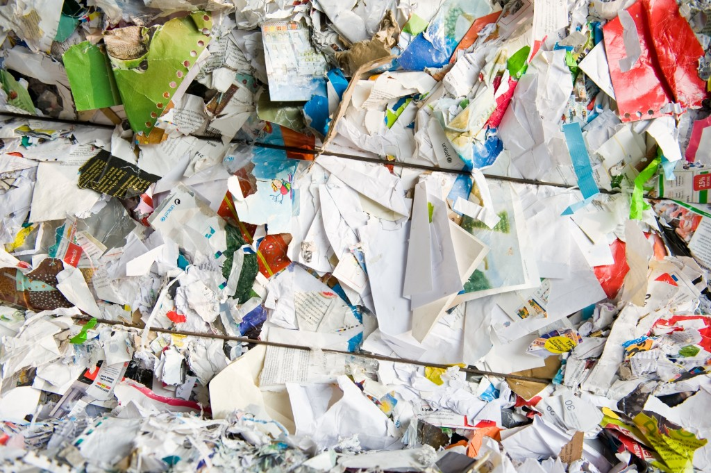 Bedrijfsafval bestaat vooral uit papier afval, karton en kunststoffen
